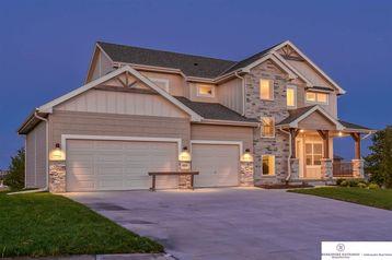 18401 Grand Avenue Elkhorn, NE 68022 - Image