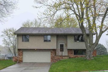 7705 CottonWood Avenue La Vista, NE 68128 - Image 1