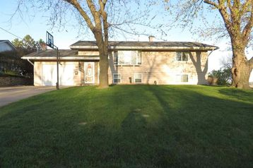 908 Longview Road Missouri Valley, IA 51555 - Image 1