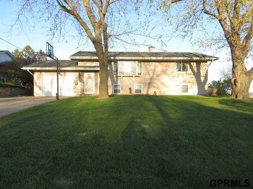 908 Longview Road Missouri Valley, IA 51555