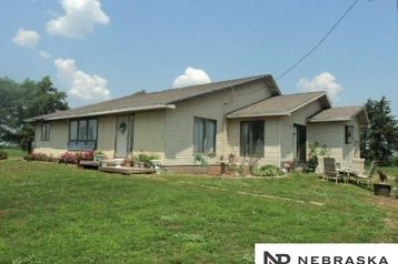2432 19 County Road Cedar Bluffs, NE 68015 - Image 1