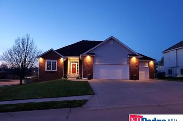 16134 Willow Circle Bennington, NE 68007 - Image 1