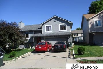 8316 Hanover Street Omaha, NE 68122 - Image