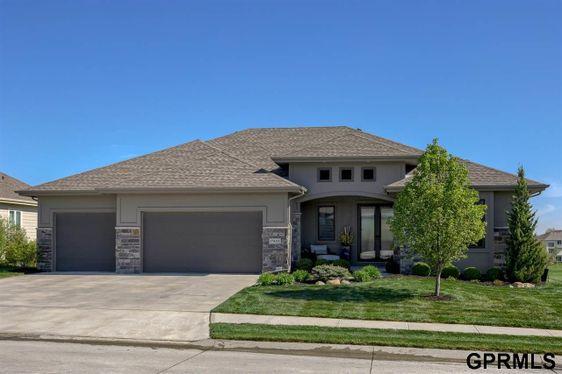 17468 Ridgemont Street Omaha, NE 68136