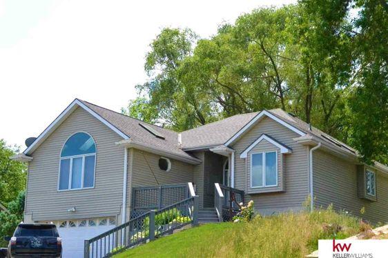 821 Beaver Lake Boulevard Plattsmouth, NE 68048