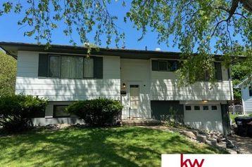 9024 Valley View Drive La Vista, NE 68128 - Image 1
