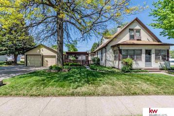 302 S 35th Street Council Bluffs, IA 51501 - Image 1
