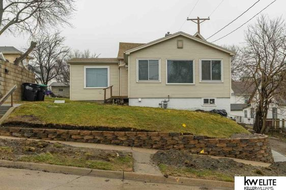 2411 Castelar Street Omaha, NE 68105