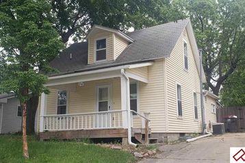 1502 Bell Street Beatrice, NE 68310 - Image 1