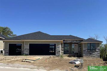 18112 Gretchen Avenue Elkhorn, NE 68022 - Image 1