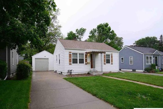 6793 Evans Street - Photo 2