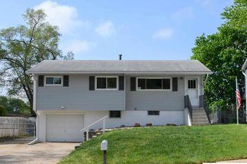3321 Cherry Lane Bellevue, NE 68147 - Image 1