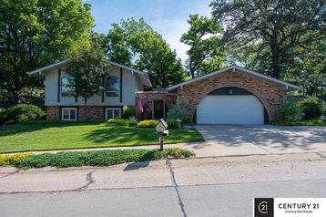 513 Ridgewood Drive Bellevue, NE 68005 - Image 1