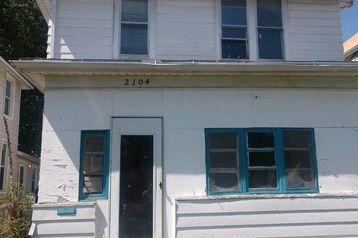 2104 Maple Street Omaha, NE 68110 - Image 1