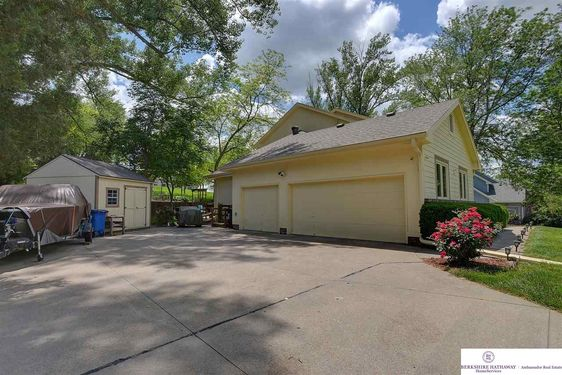 6405 Country Club Road - Photo 3