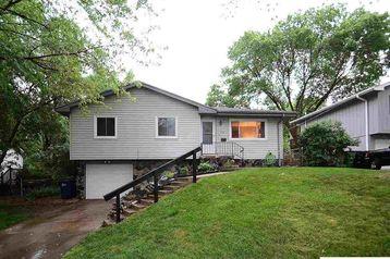 7527 S 89 Street La Vista, NE 68128 - Image 1