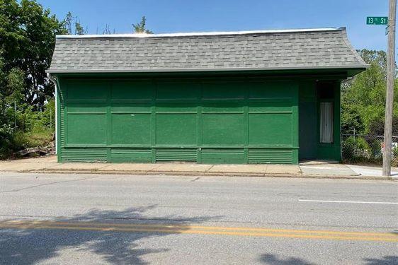 1301 Madison Street - Photo 2