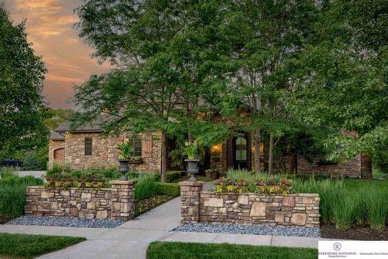 1301 Ranch View Lane - Photo 2