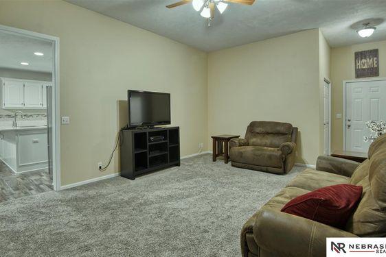 4618 Springview Drive - Photo 4