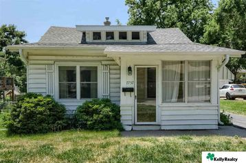 7757 Oakwood Street Ralston, NE 68127 - Image 1