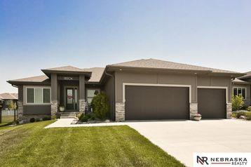 18504 Merion Drive Omaha, NE 66136 - Image 1