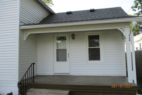 426 E 10 Street - Photo 3