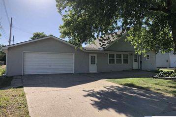 422 S 11 Street Geneva, NE 68361 - Image 1