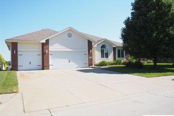 16522 Cottonwood Street Omaha, NE 68136 - Image 1