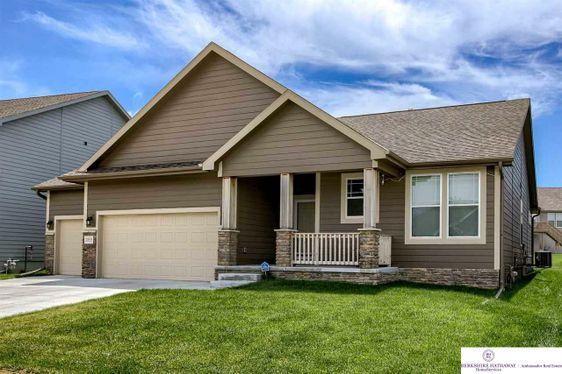 20535 Howe Street Omaha, NE 68022