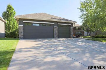 18560 Vinton Street Omaha, NE 68130 - Image 1