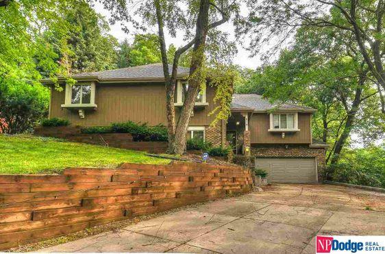 819 Hidden Hills Drive Bellevue, NE 68005-2737