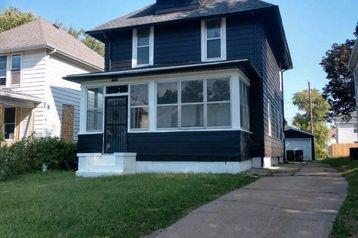 2102 Maple Street Omaha, NE 68110 - Image