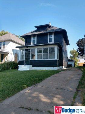 2102 Maple Street Omaha, NE 68110