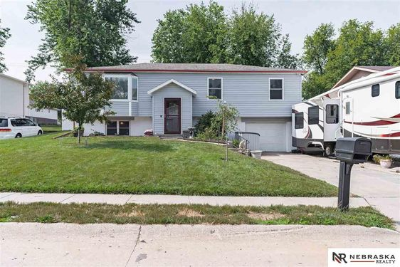 345 Valley Drive - Photo 3