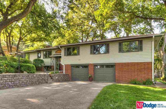 10307 Woodridge Lane Omaha, NE 68124-1864
