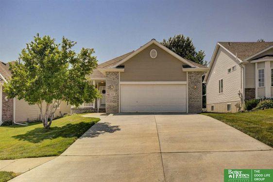 9219 Hillcrest Drive La Vista, NE 68128-0000