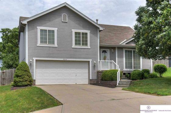 18048 Lillian Street Omaha, NE 68136