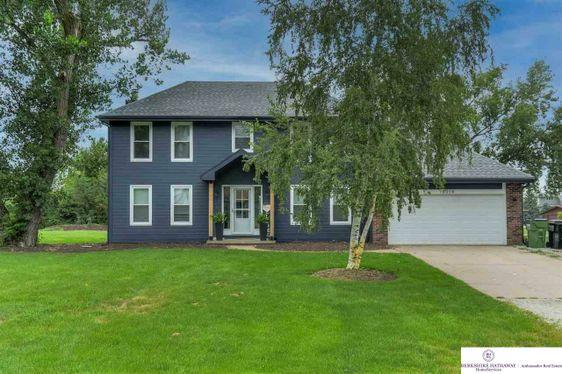 18014 Cottonwood Lane Springfield, NE 68059