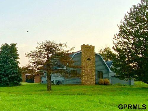 13410 FAIRVIEW Road Springfield, NE 68059
