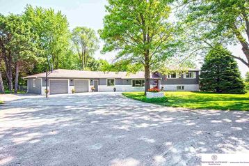 10741 Earl Avenue Bennington, NE 68007 - Image 1