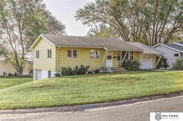 325 N Osage Street Papillion, NE 68046 - Image 1
