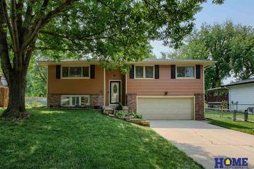 5831 Elkcrest Drive Lincoln, NE 68516-1443 - Image 1