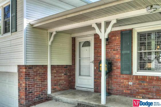 1113 Carriage Road - Photo 3