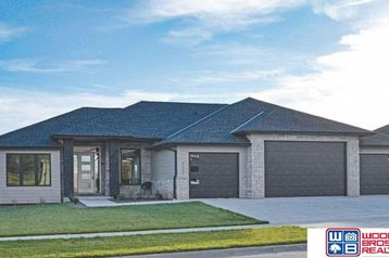 10230 Starlight Bay Lincoln, NE 68527 - Image