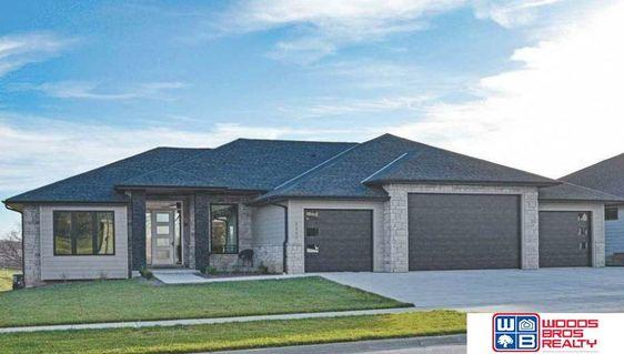 10230 Starlight Bay Lincoln, NE 68527