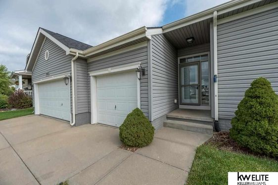 15652 ROSEWATER Parkway - Photo 4