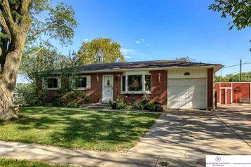 7900 Cherrywood Drive Lincoln, NE 68510 - Image 1