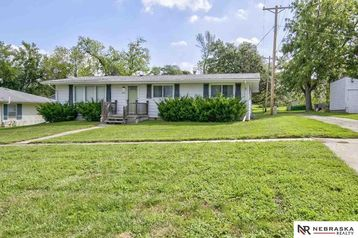 165 N 4th Street Springfield, NE 68059 - Image 1