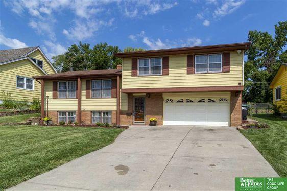 5012 Ruggles Street Omaha, NE 68104