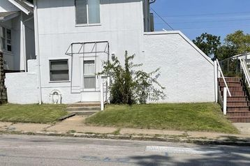 2214 POPPLETON Avenue Omaha, NE 68108 - Image 1